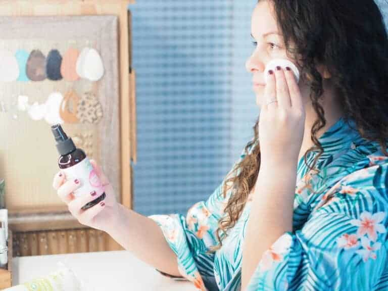 Tips for Glowing Skin in Summer – Natural Summer Skincare Guide