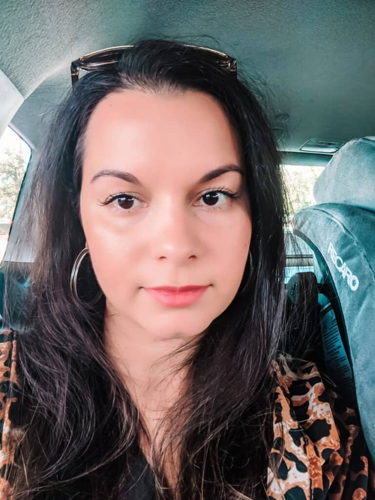 Delilah Orpi wearing two coats of Sappho New Paradigm mascara review clean beauty
