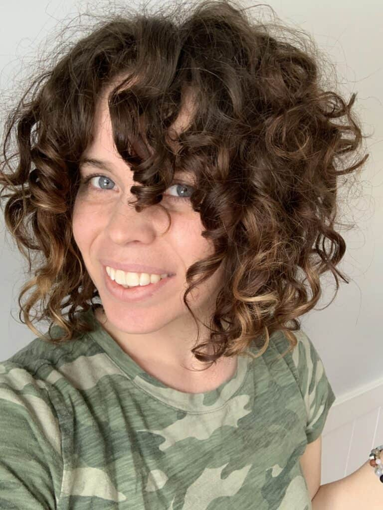 Curly Collen showing off her beautiful curls curly chronicles