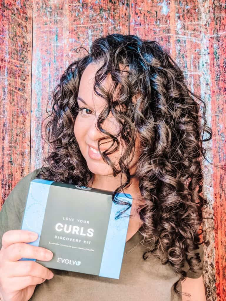 Gift idea for curly hair people EVOLVh discovery kit